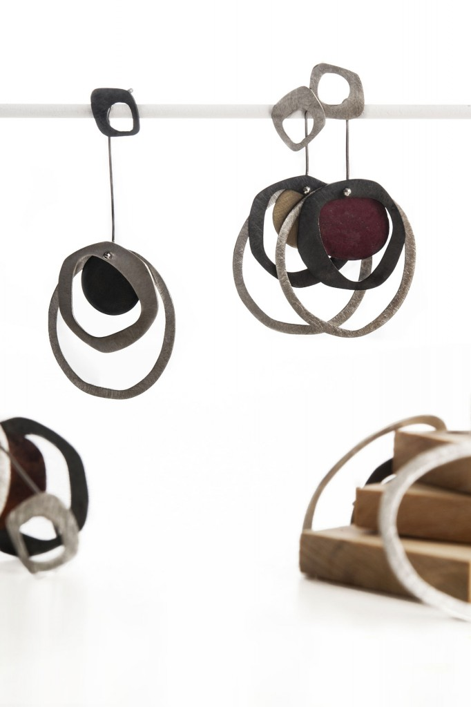 Aines handmade Jewellery - Rounded Shapes Collection - Silver, Copper and gold earrings.